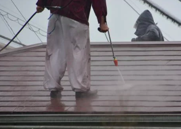 This is a picture of gutter cleaning in Folsom, CA.